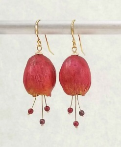 #609 flower earrings, red
